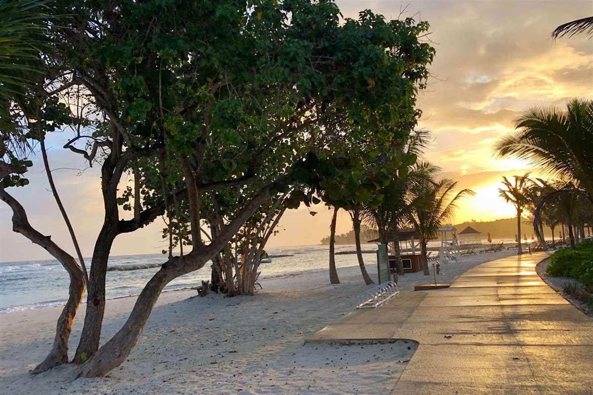 牙买加半月度假村Eclipse月食酒店海滨