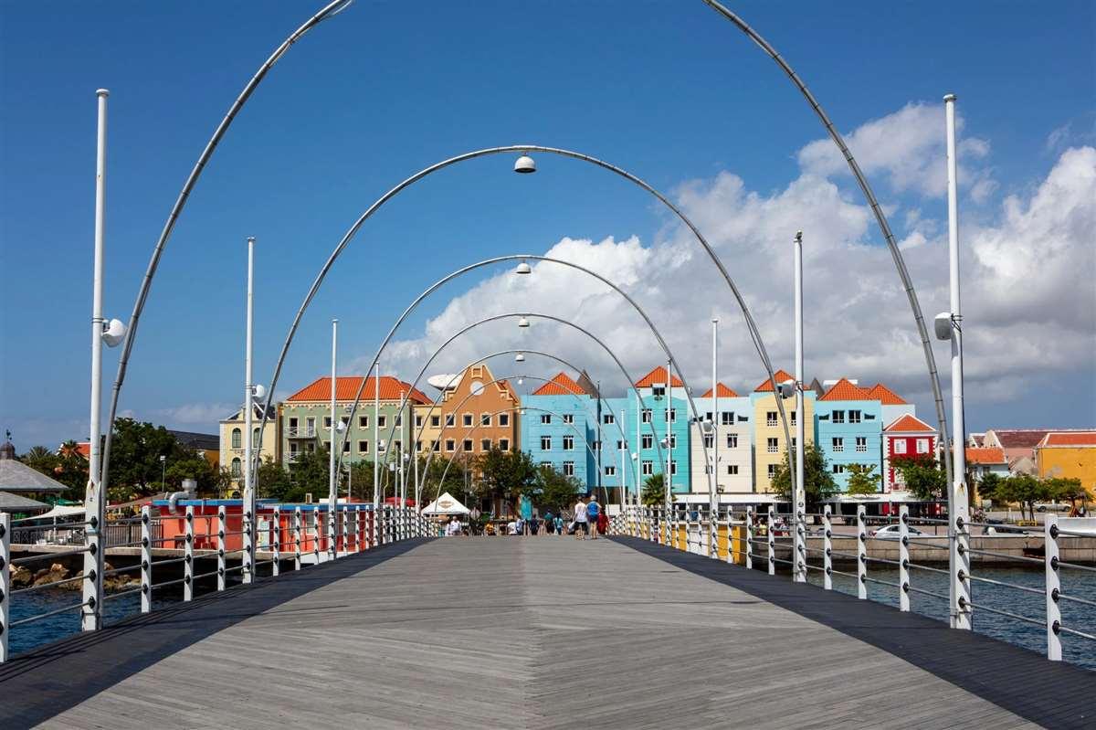 加勒比库拉索艾玛女王浮桥
