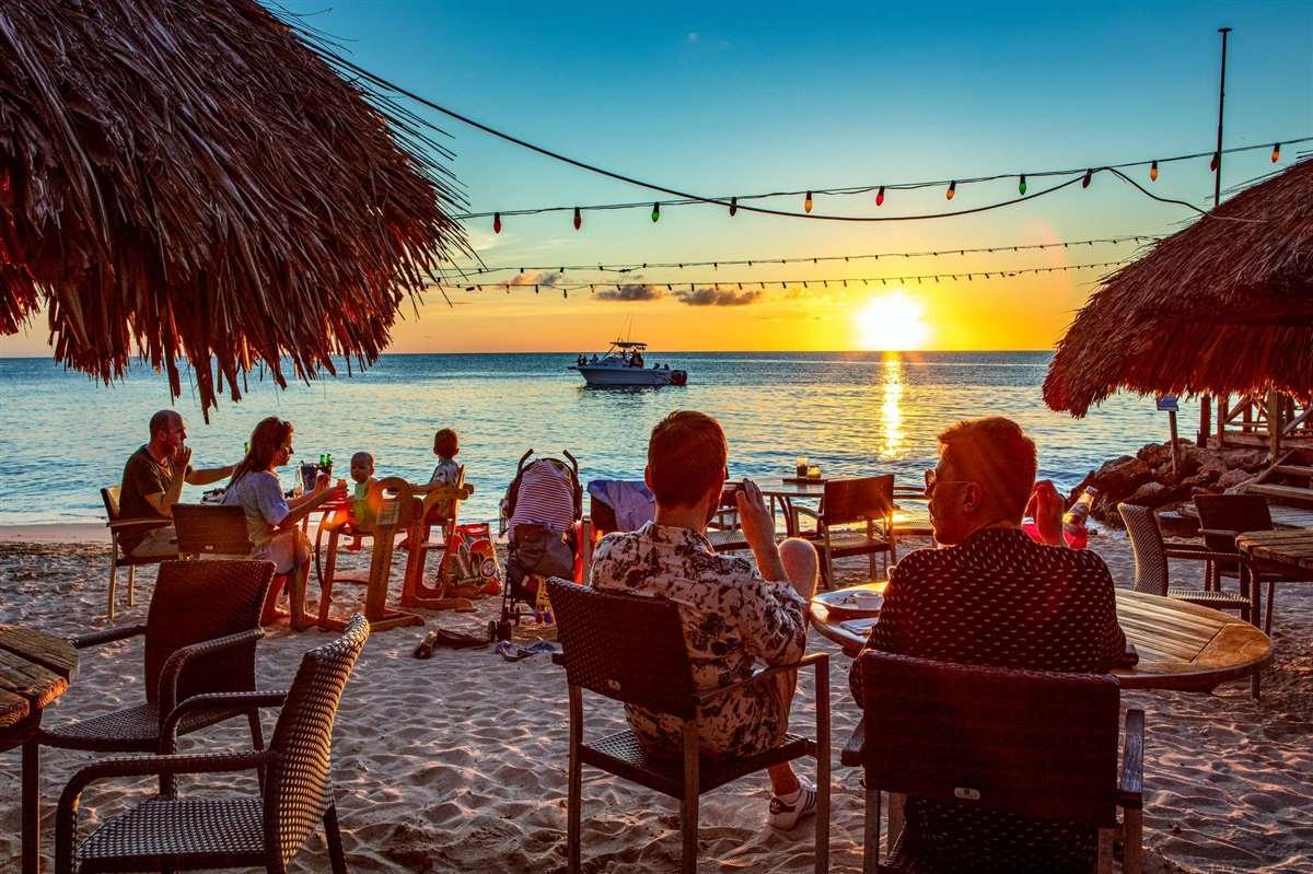 加勒比库拉索海盗湾露天酒吧