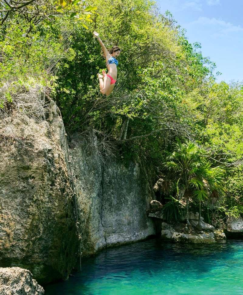 墨西哥坎昆谢哈公园高台跳水
