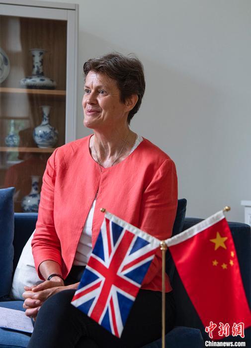 前任英国驻华大使吴百纳