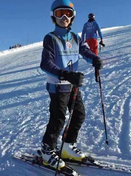 英国苏格兰阿尔宾学校阿尔卑斯山滑雪