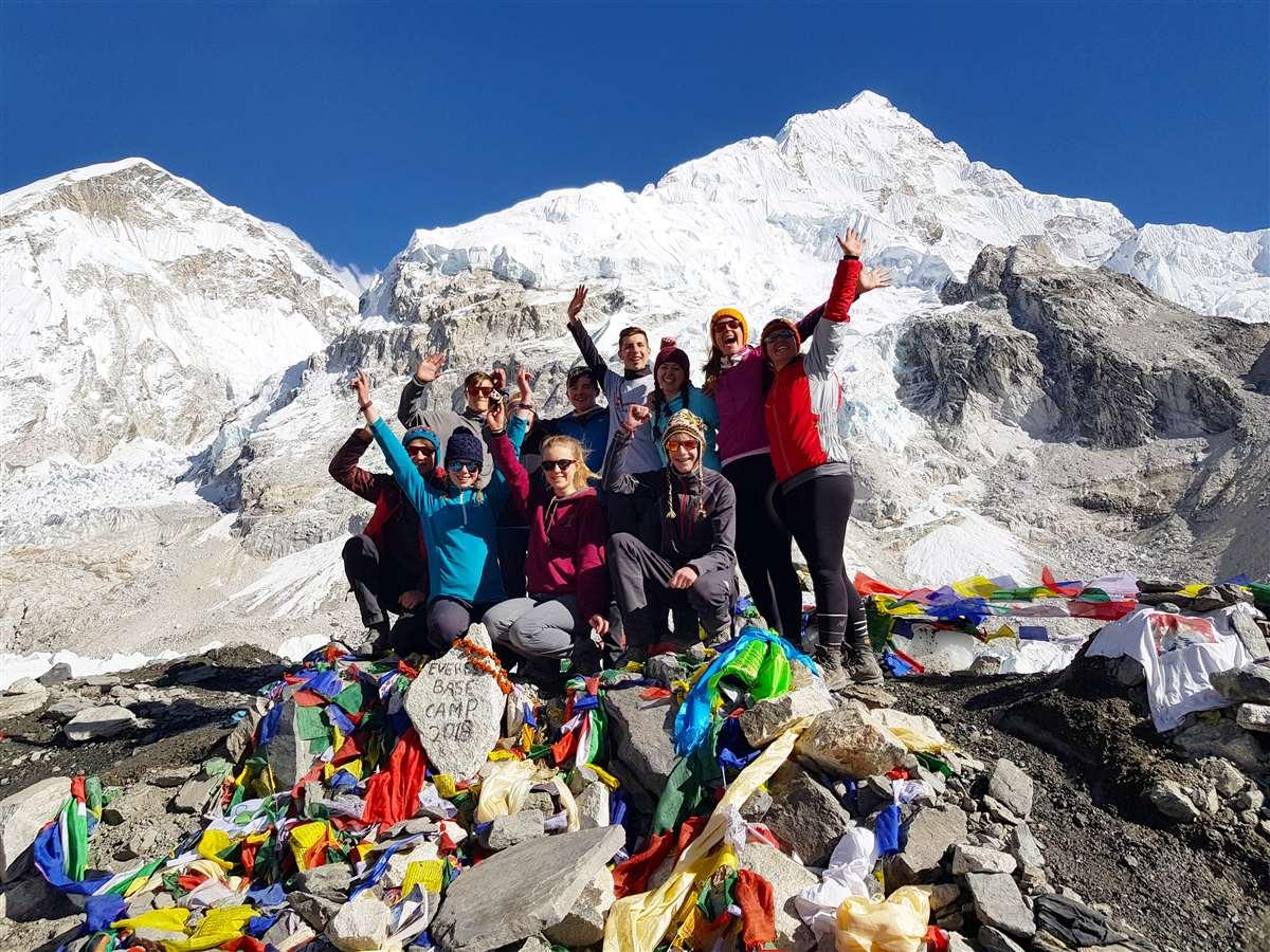 英国苏格兰阿尔宾学校攀登珠穆朗玛峰