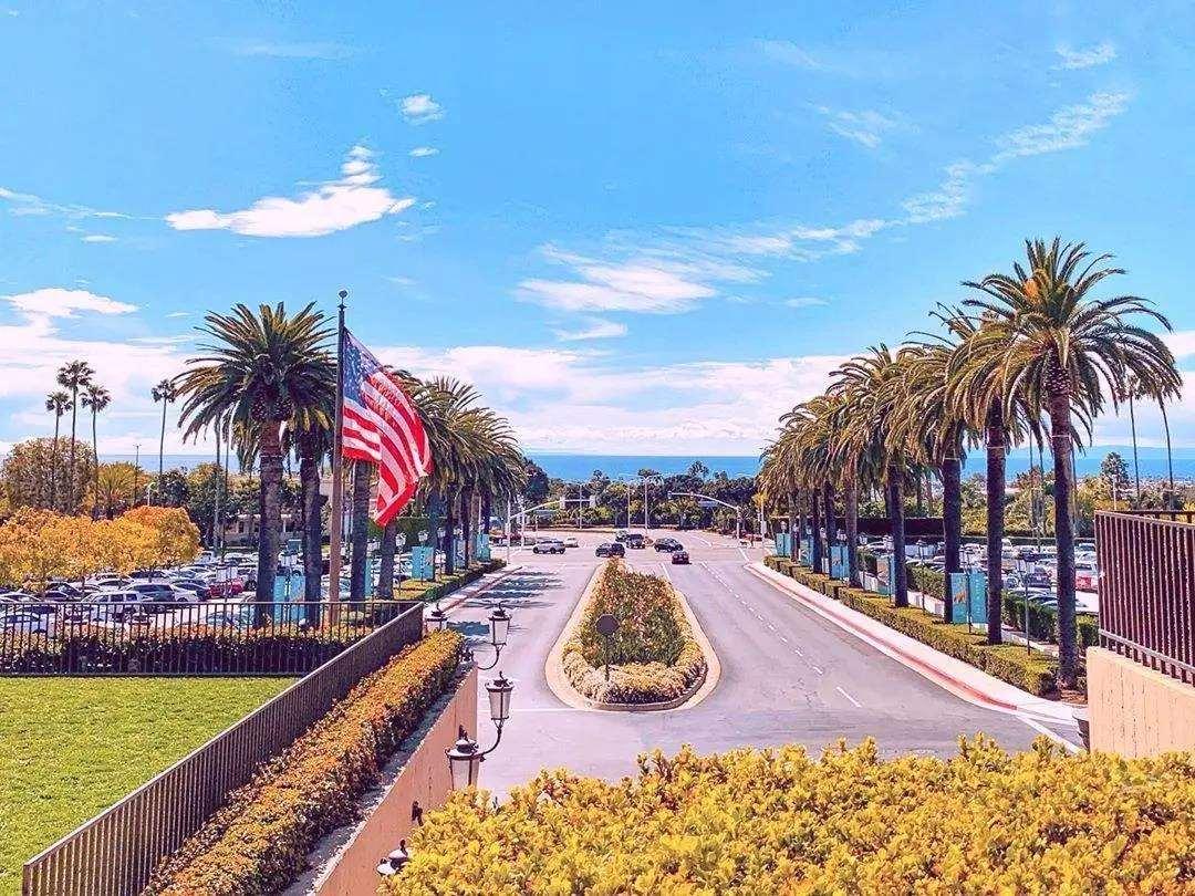 美国加州橙县尔湾时尚岛购物中心