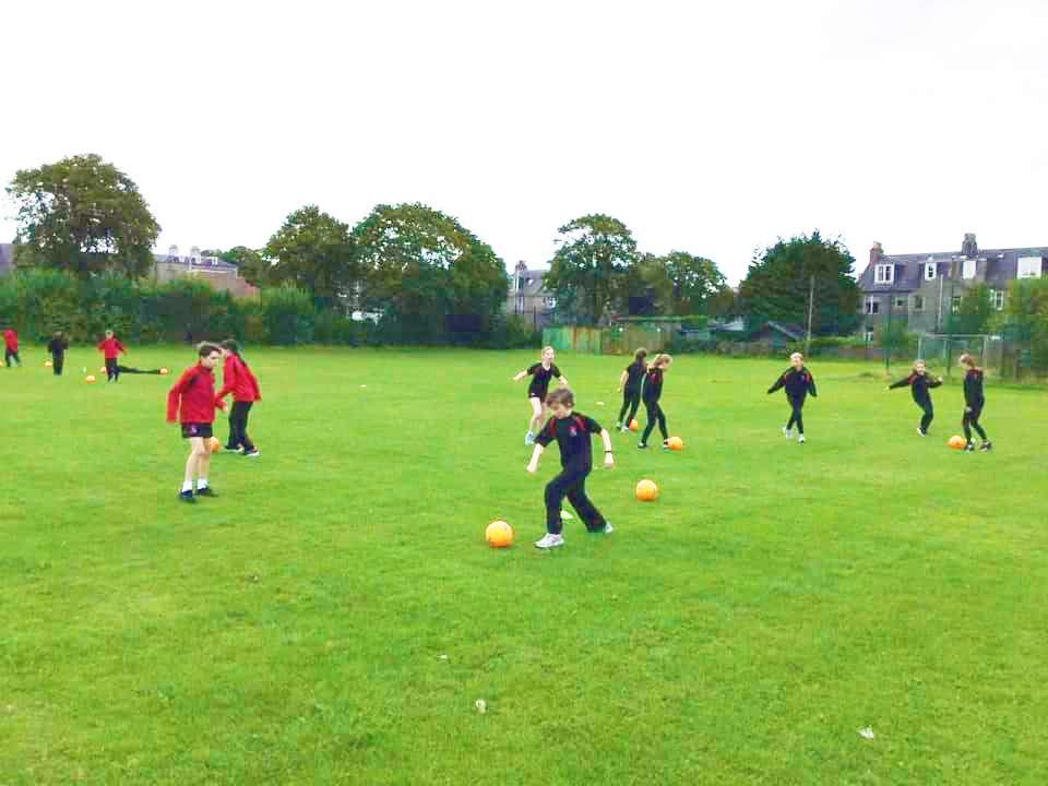 英国留学苏格兰阿尔宾私立学校足球