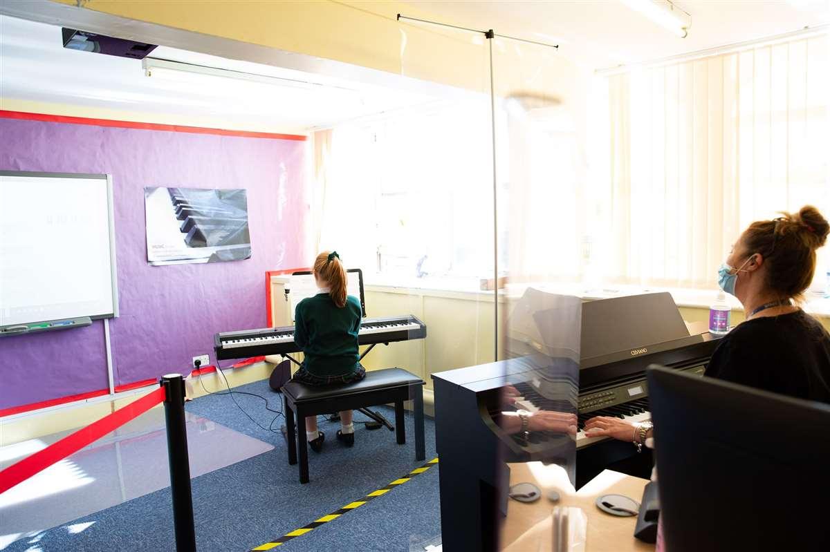 英国留学苏格兰阿尔宾私立学校音乐