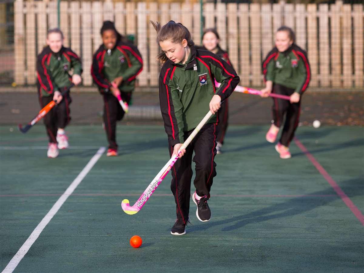 英国留学苏格兰私立阿尔宾学校曲棍球