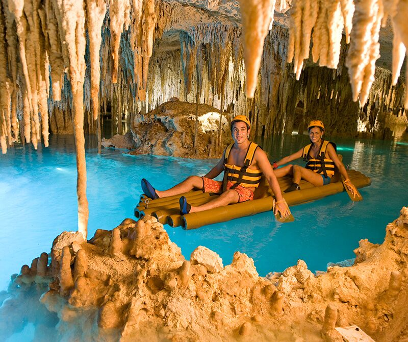 墨西哥坎昆Xplor西普洛公园洞穴竹筏