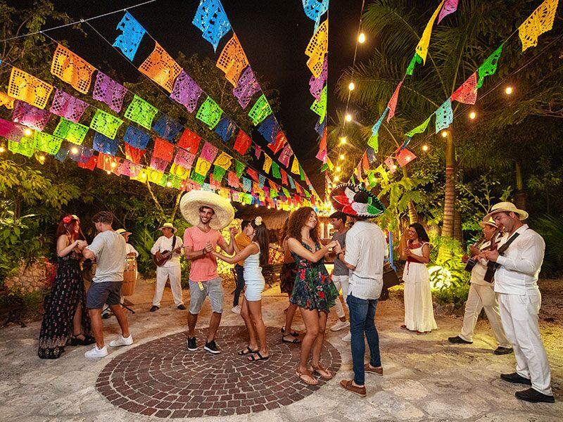 墨西哥坎昆Xoximilco霍奇米尔科公园派对