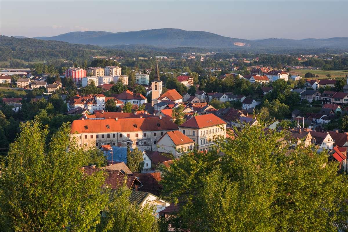 Metlika | 斯洛文尼亚―梅特利卡,科尔帕河畔一座魅力十足的古老城市